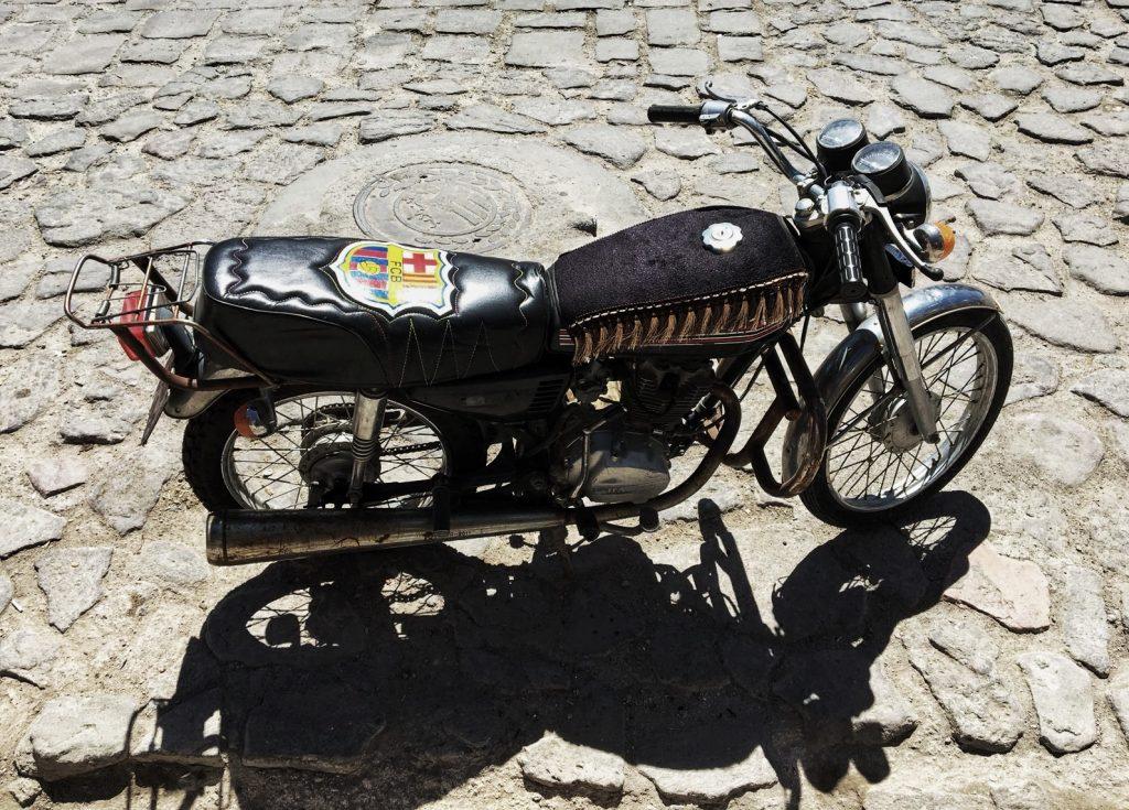 Ein typisches Motorrad im Iran