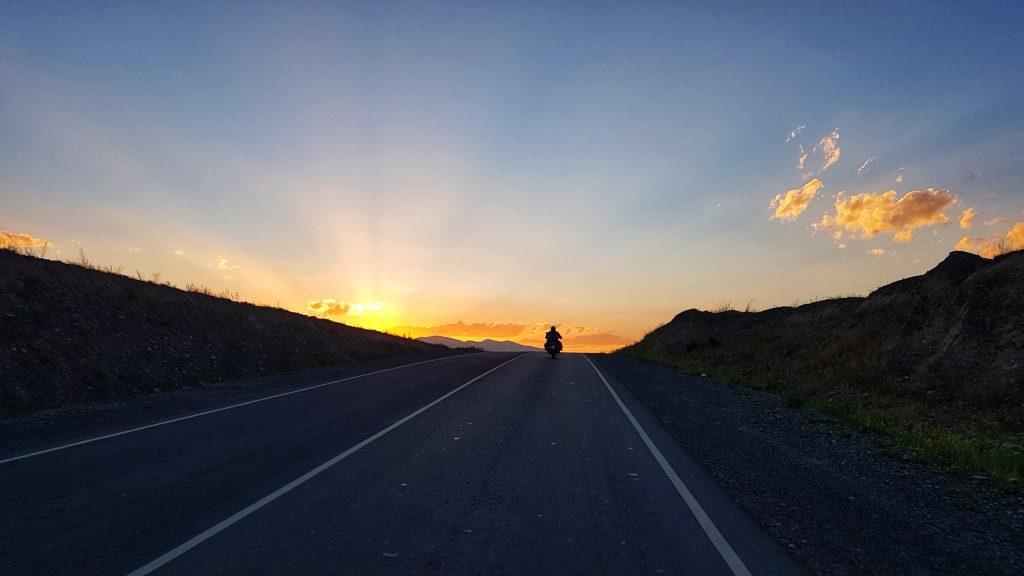 Sonnenuntergang bei Naryn