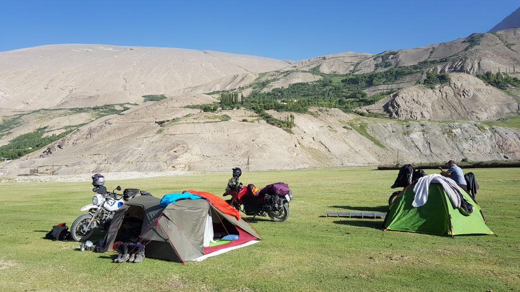 Zelten auf dem Pamir Highway